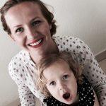 Prosta i elegancka fryzura dla mamy i córki (film)