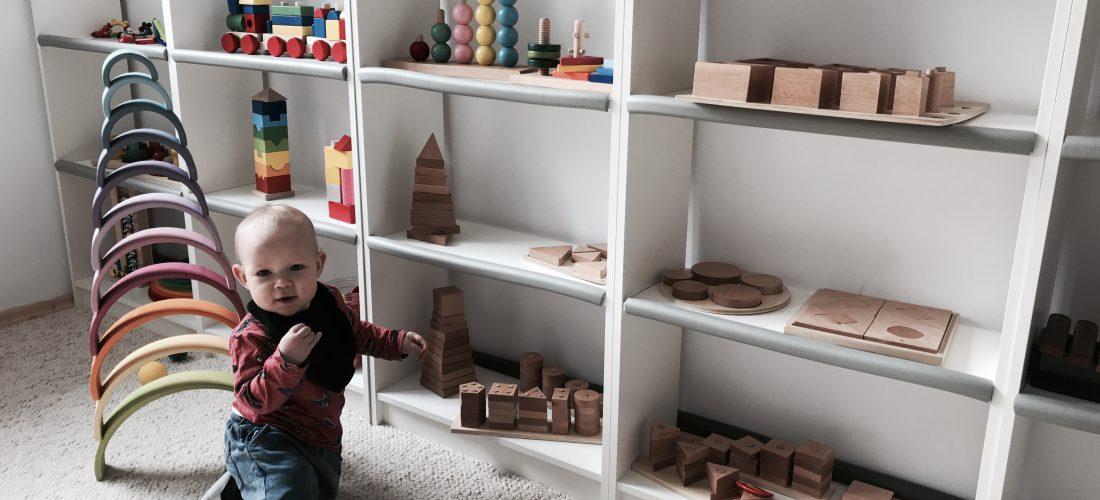 Świetna bawialnia edukacyjna w stylu Montessori