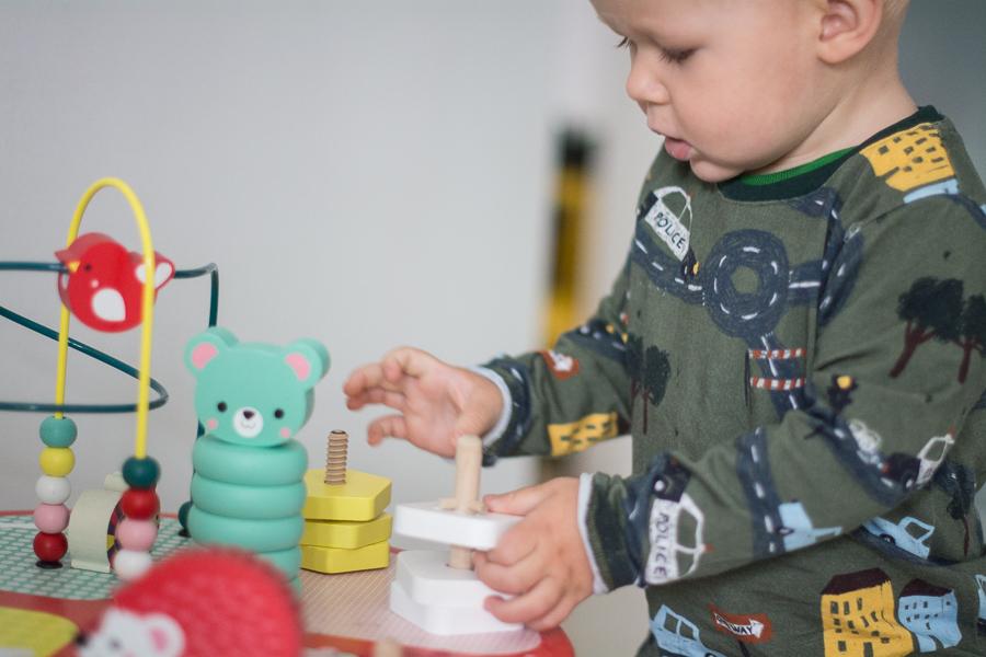 zabawki dla małych dzieci