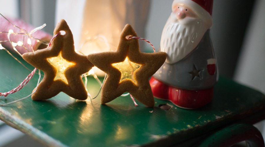 Pierniczki świąteczne z dziećmi – kreatywne pomysły na ozdabianie