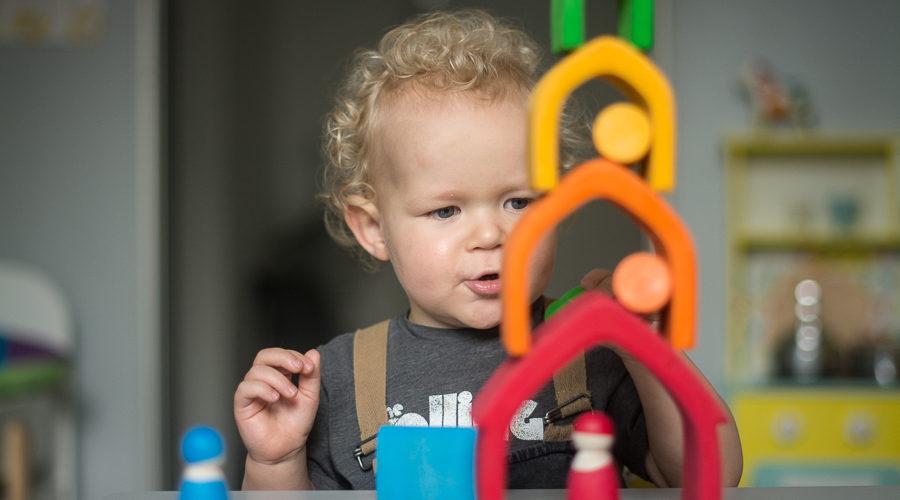 Zabawki dla dwulatka – najciekawsze propozycje na naszych półkach