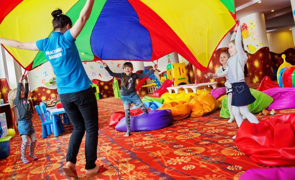 Hotel Gołębiewski Karpacz - sala zabaw - atrakcyjne miejsca dla dzieci