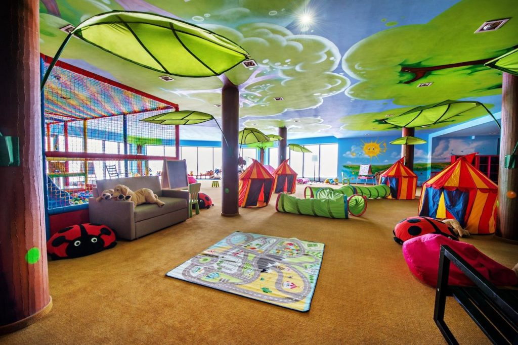 Hotel Arłamów - sala zabaw - atrakcyjne miejsca dla dzieci