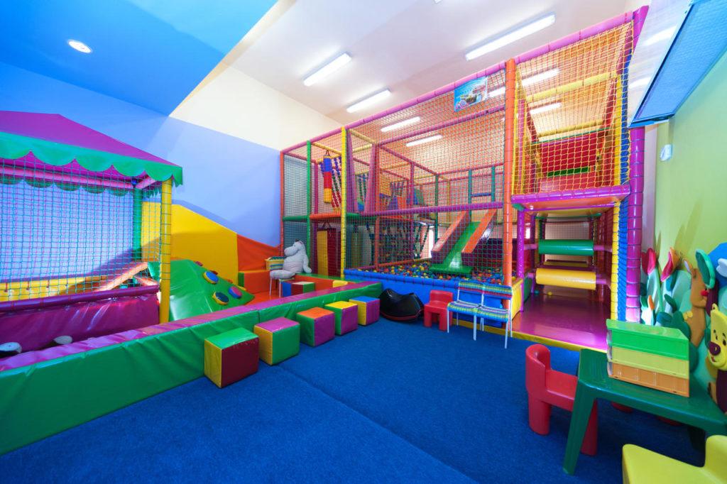 Hotel Klimczok Resort & Spa - sala zabaw - atrakcyjne miejsca dla dzieci