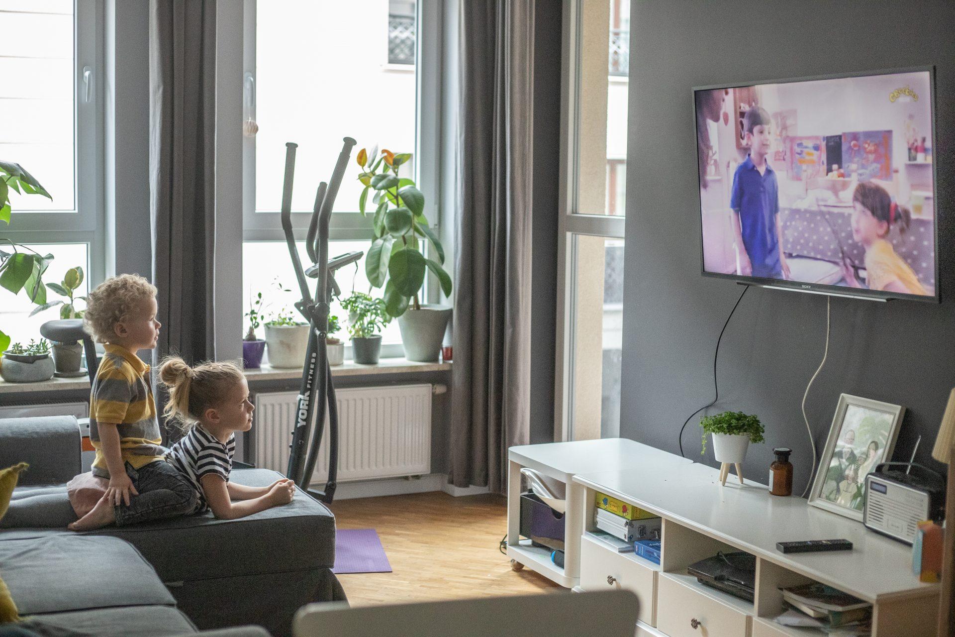 12 sposobów jak nauczyć dzieci rozsądnego oglądania bajek – my #oglądamymądrze