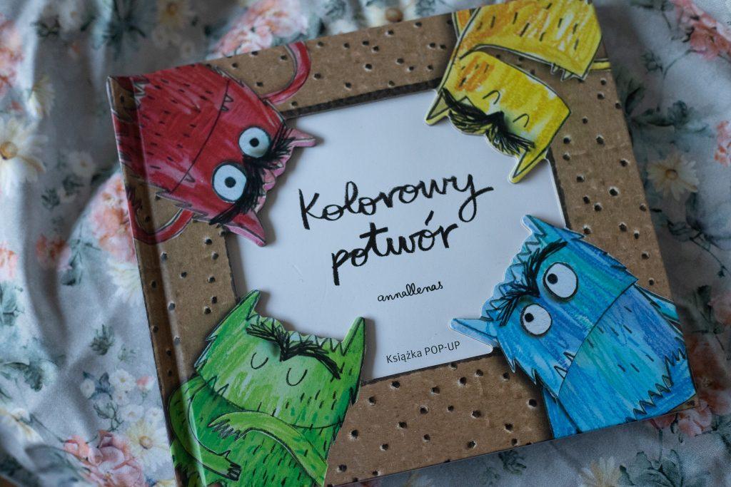 zdjęcie książki dla dzieci - kolorowy potwór