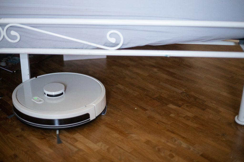 robot sprzątający RoboJet X-One w akcji
