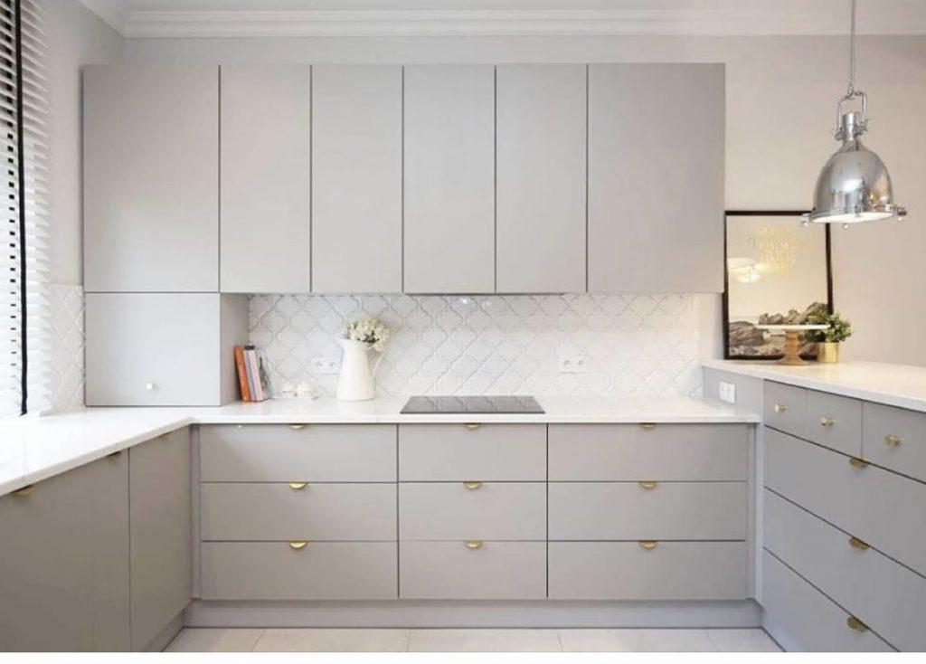inspirująca kuchnia cała w bieli