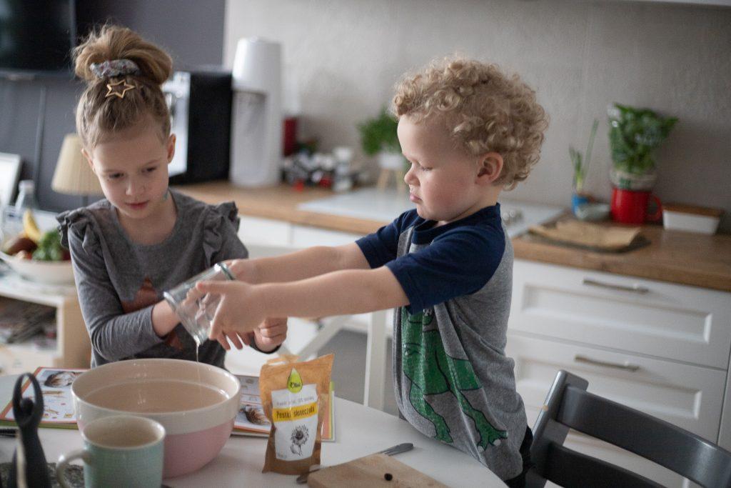 dzieci same gotują