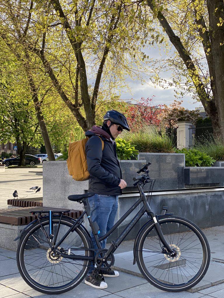 zdjęcie na rowerze miejskim