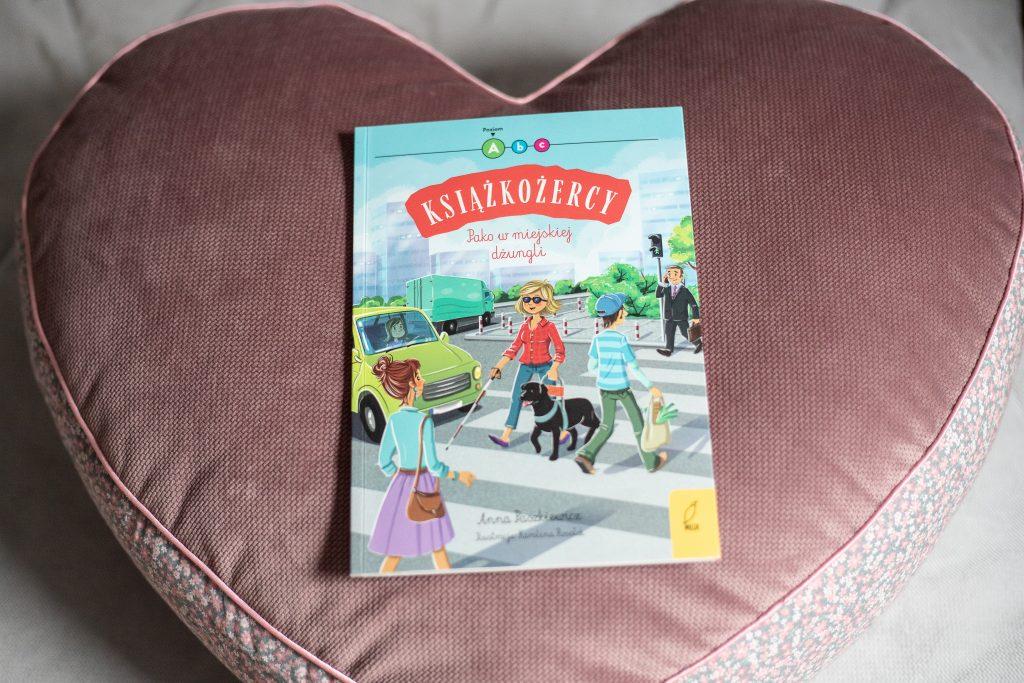 okładka książki Pako w miejskiej dżungli - Książki dla dzieci o tolerancji