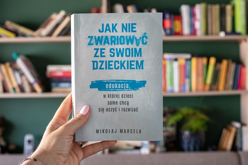 """okładka książki - Jak nie zwariować ze swoim dzieckiem"""""""