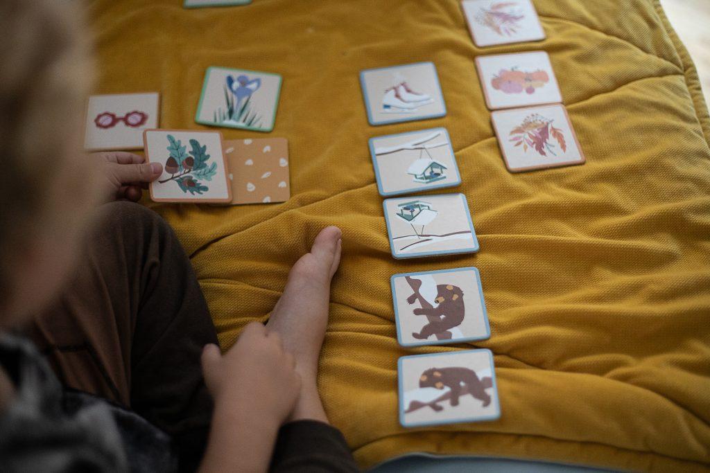karty z gry 1,2,3 Pamiętam - pory roku