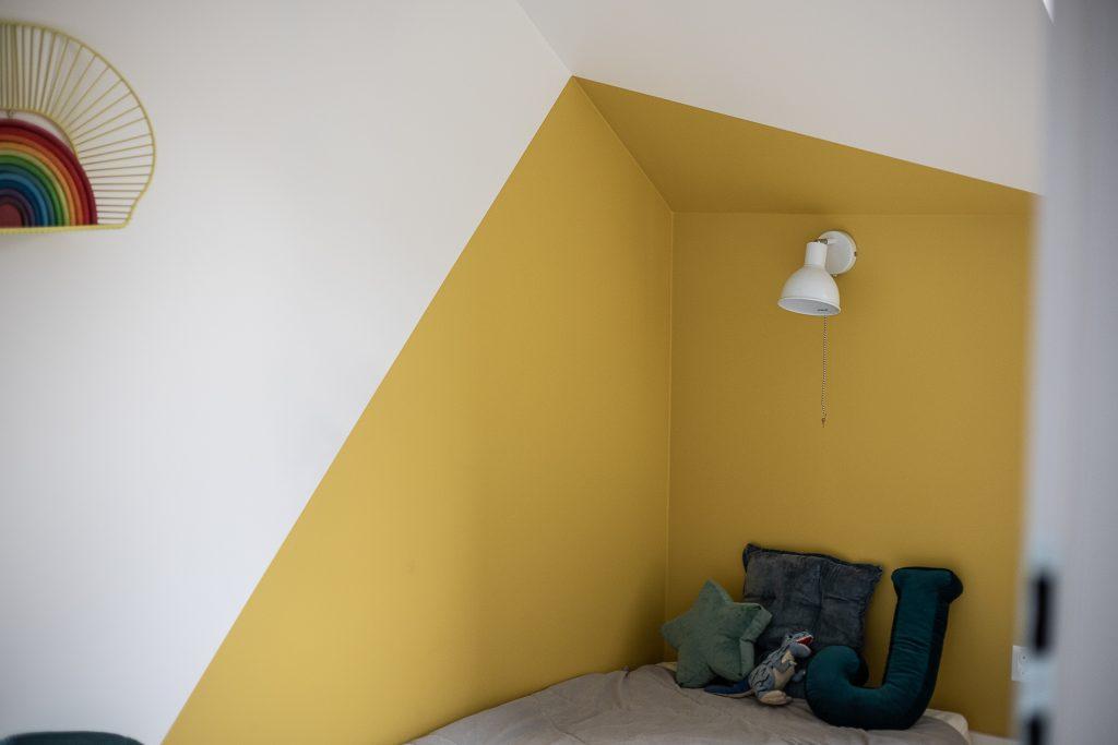 kolory ścian w domu - musztardowy