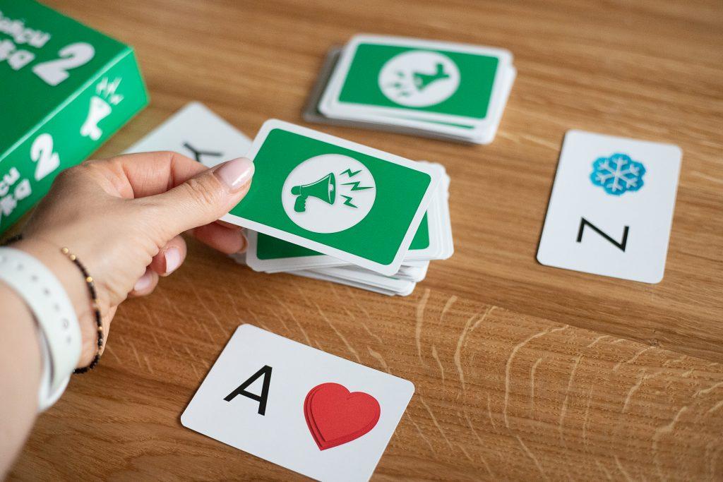 karty do gry na końcu języka 2