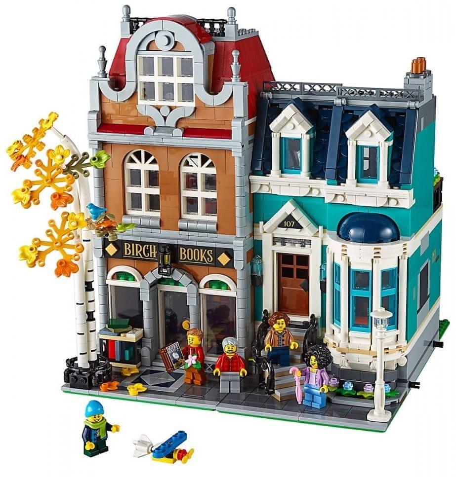 zdjęcie księgarni z klocków lego - pomysły na prezent na Święta dla dzieci 2020