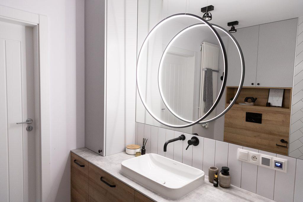 Oświetlenie łazienkowe - Lampa w kształcie koła RAMKO ECHO VERTICAL
