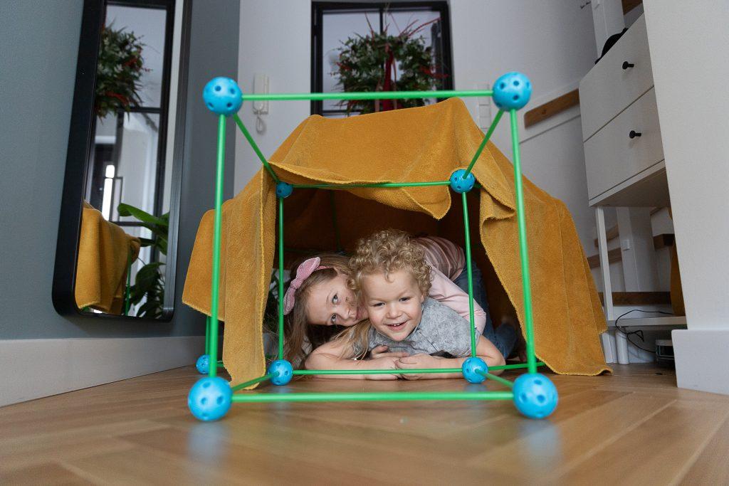 pomysły na prezent na Święta dla dzieci - namiot do budowania bazy