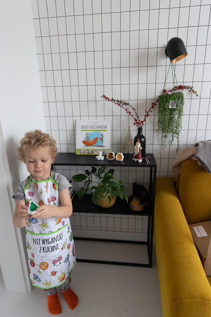 pomysły na prezent na Święta 2020 dla dzieci - fartuszek