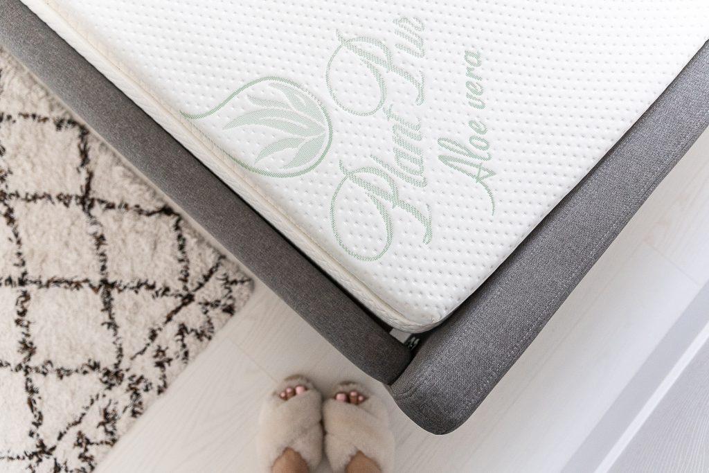 materac plantpur w sypialnia na poddaszu